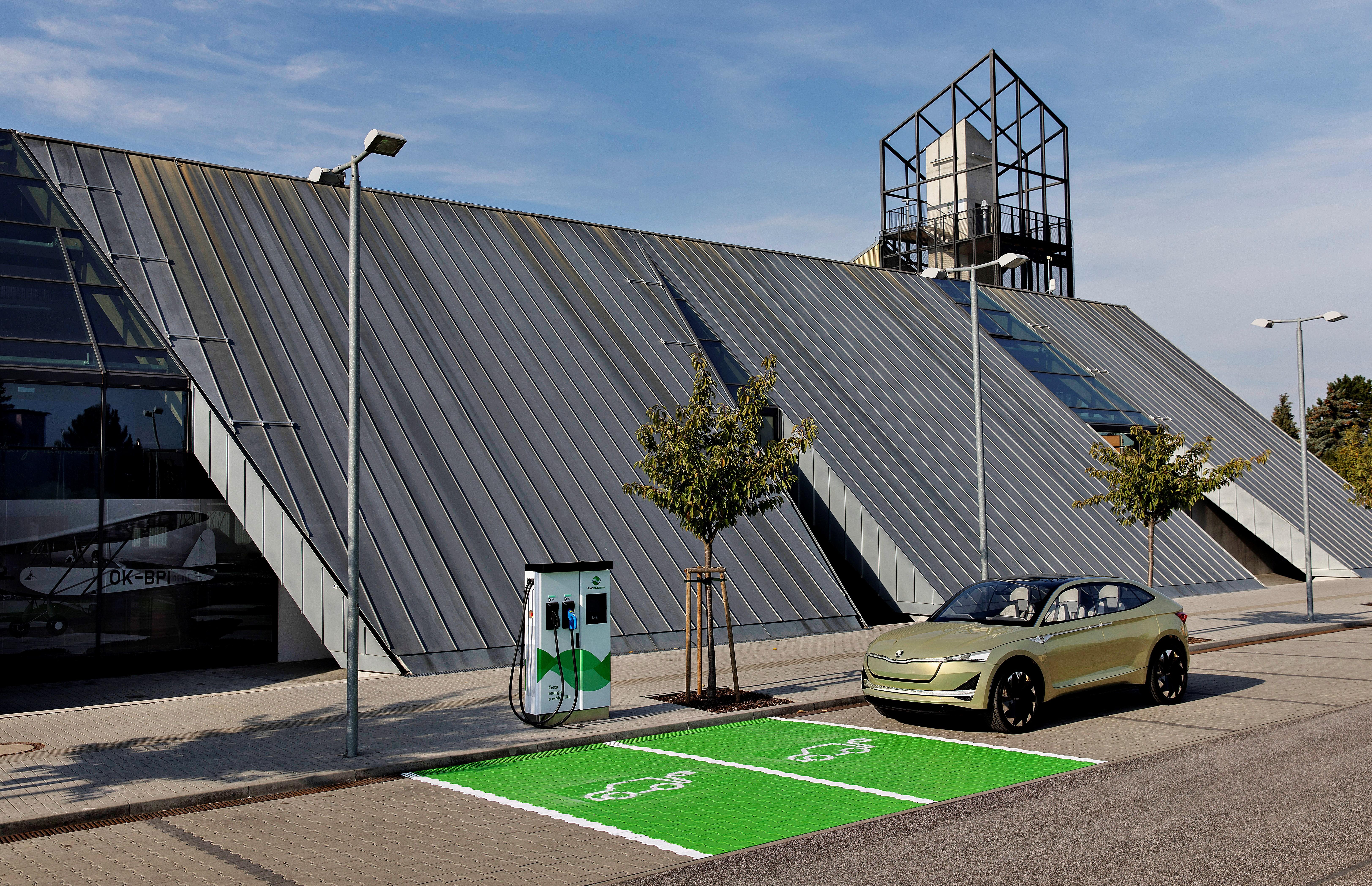 ŠKO-ENERGO a ŠKODA AUTO uvádí v Mladé Boleslavi do provozu rychlonabíjecí stanici pro elektromobily (zdroj: ŠKODA AUTO), září 2018