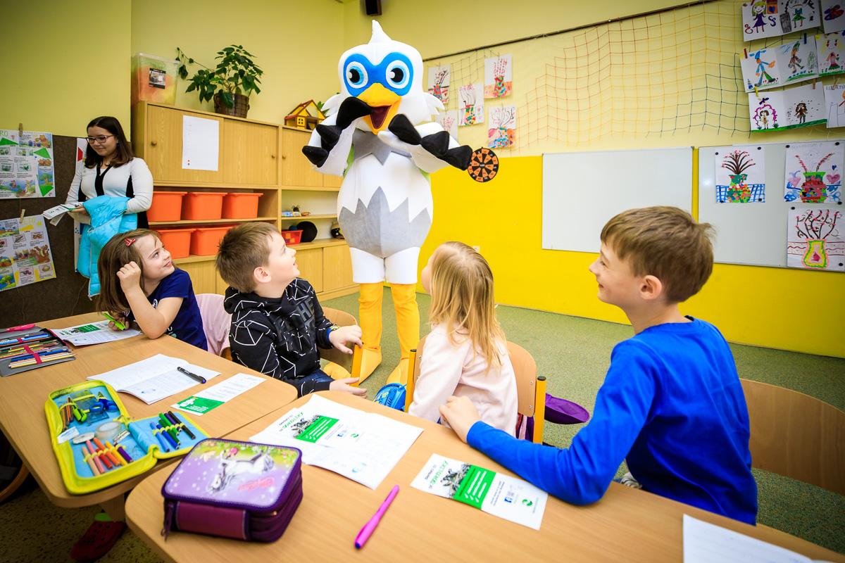 Sokolík ve škole